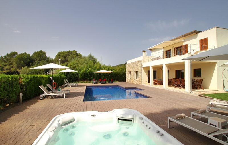 Subach Garden Holiday Villa with pool in Pollensa Mallorca
